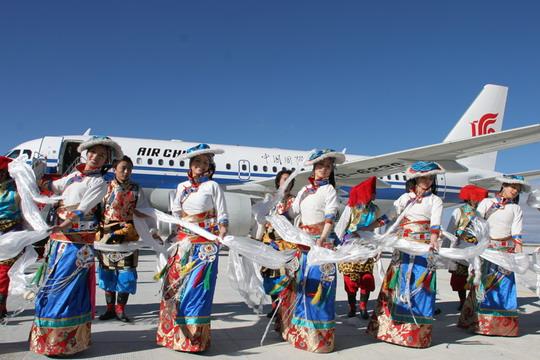 国航西南空中客车A319飞机成功试飞康定机场