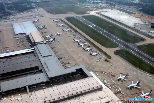 美國孟菲斯機場總貨運量以微弱優勢超越香港