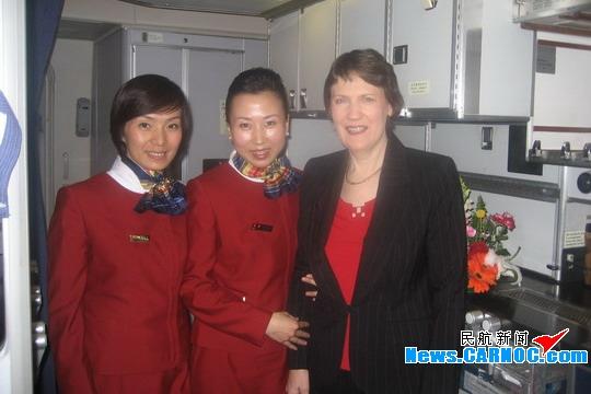 国航客舱服务部成功保障新西兰总理专机任务