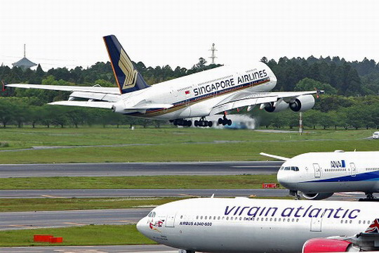 新加坡航空A380客机首航东京 新加坡航线