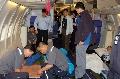 国航改装飞机转运首批36名地震伤员飞往广州