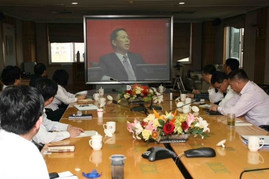 分别在青岛,济南两地通过视频参加了网络交流.