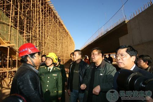 昆明新机场在建桥梁垮塌事故现场救援已结束