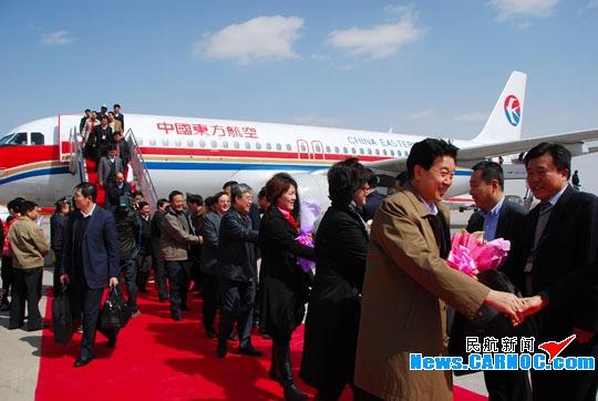 """东航甘肃圆满完成2010""""两会""""运输保障工作"""
