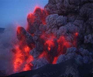 英國希斯羅機場關閉 火山或影響歐洲數十年