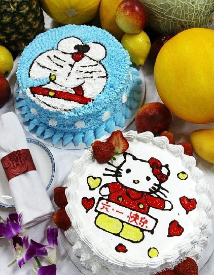大连航食精心制作卡通蛋糕,欢庆六一儿童节