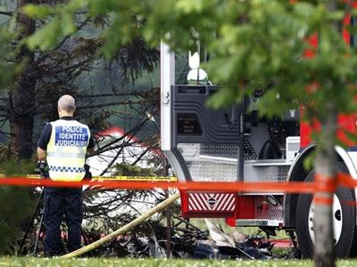 加拿大小型飞机机场附近坠毁 机上7人全遇难