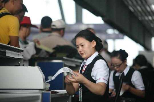 国庆七天长假 南航在新疆承运旅客十万余人