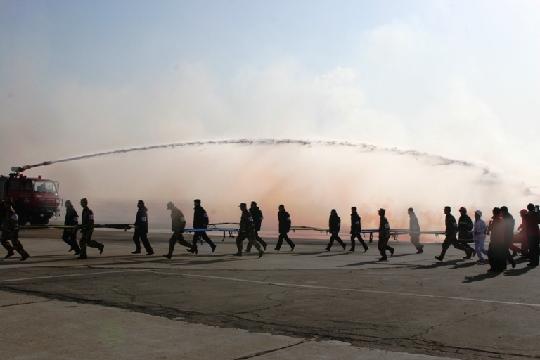 呼和浩特白塔国际机场开展应急救援综合演练