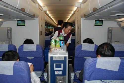 国航上海客舱服务部三项举措 保障2011春运