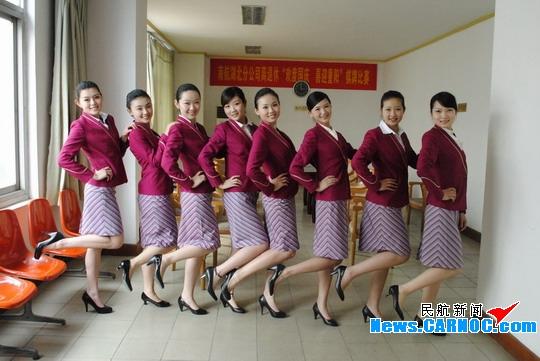 南航空姐_南航招募空乘武汉选区共有48名选手通过复试