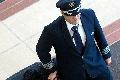 因缺少飞行员停飞航班 美国缘何陷入缺人危机