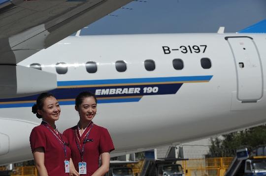 EMB190全新喷气客机 豪情书写南航新疆速度