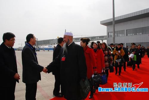 东航甘肃分公司圆满完成两会代表团运输保障
