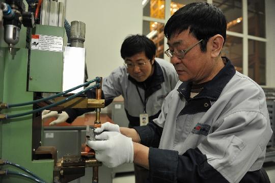 中国民航发动机涡轮封严扇形件蜂窝修理第一人