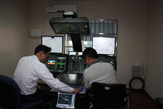 南航国内首台直升机飞行模拟器进入调试阶段