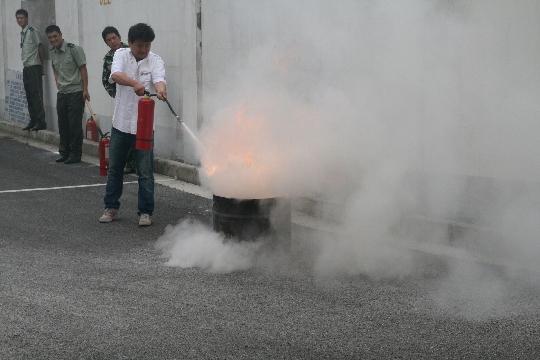 此次消防安全演练从灭火逃生知识
