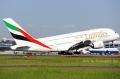 """图:身披阿联酋航空涂装的A380。(阿联酋航空A6-EDA号A380-861型客机。<a href=http://pic.feeyo.com target=_blank>民航图库</a>图片,摄影:民航资源网网友""""<a href=http://pic.feeyo.com/photo.jsp?userid=220246 target=_blank>kmwangchen</a>""""。(浏览作者图库原帖《<a href=http://pic.feeyo.com/posts/483/4838103.html target=_blank>[原创]【SYDWC】悉尼晴天系列(5)毒机之泰航777和阿联酋380</a>》)"""