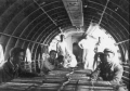 60年代的昆明机场货运工作场景
