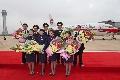 长水机场首发航班的全体机组人员。 (摄影:倪嘉云)