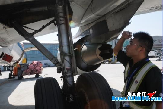 东航江西:战高温、斗酷暑 保旺季航班正点