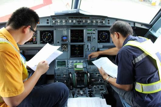南航海口维修厂奋战6小时 空客a320首航顺利图片
