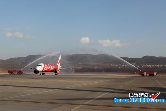 亚航昆明直飞吉隆坡航线首航 开航最低437元