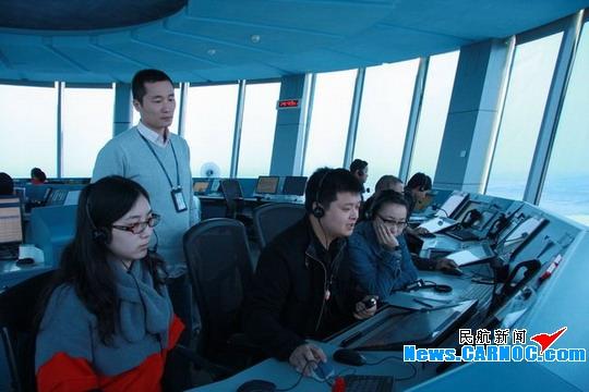 图:广州白云塔台春运保障再创历史高峰