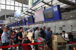 川航共有32班飞机延误 震后已有10班顺利起飞