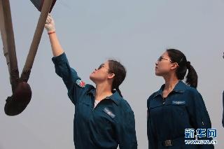 抗震姐妹花奋战一线 运送救灾物资15.7吨