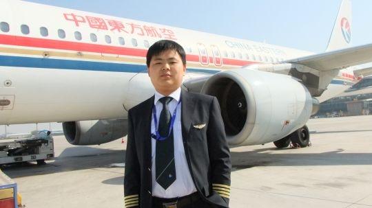 随着mu5513航班平稳地降落在青岛流亭国际机场,中国东方航空股份有限