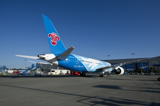 """先睹为快:南航波音787""""梦想之翼""""彩绘"""