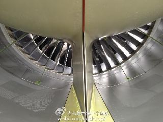 6月2日上午10:31南航订购的中国首架波音787飞抵广州白云机场。 (摄影:图片来自微博网友:卡脑壳de空中颠簸)