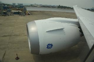 6月2日上午10:31南航订购的中国首架波音787飞抵广州白云机场。