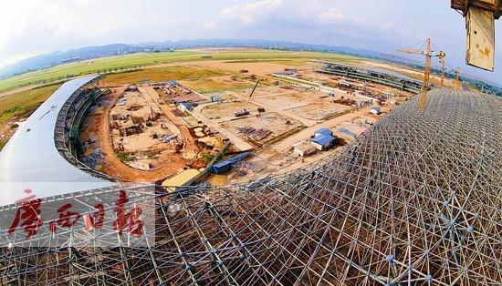 """南宁机场新航站楼""""双凤还巢""""骨架已成型"""