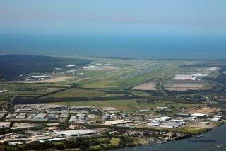 機場擁擠 澳洲航空航班緊急備降黃金海岸加油