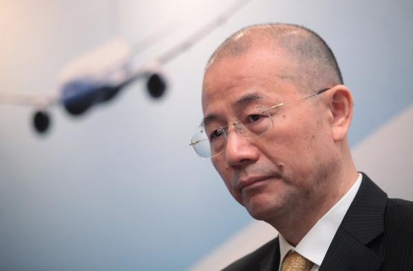 国航中期纯利升一成,副总裁,执行董事兼财务总监樊澄于中期业绩