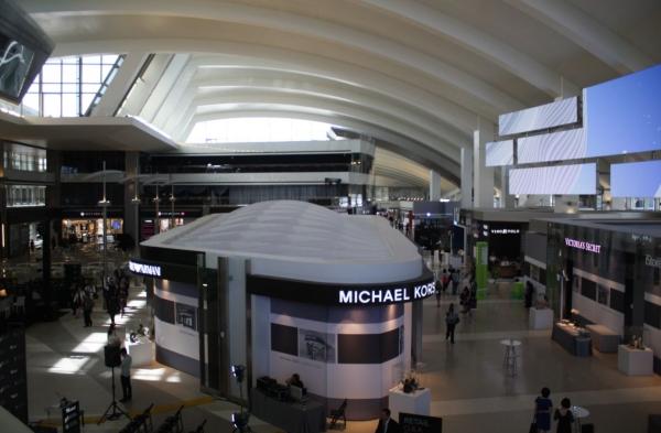 耗資19億美元 洛杉磯國際機場新航站樓啟用