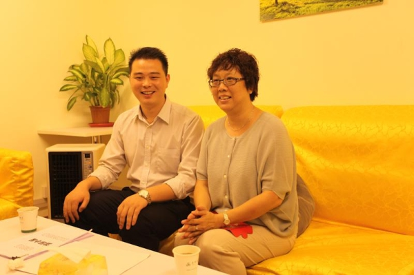 和小姨13年_9月26日,家住上海金桥的王阿姨换了三部地铁,耗时近2个小时赶到春秋