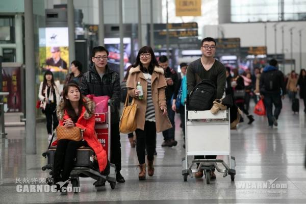 白云机场今日航班量增幅达7.8% 有望突破19万