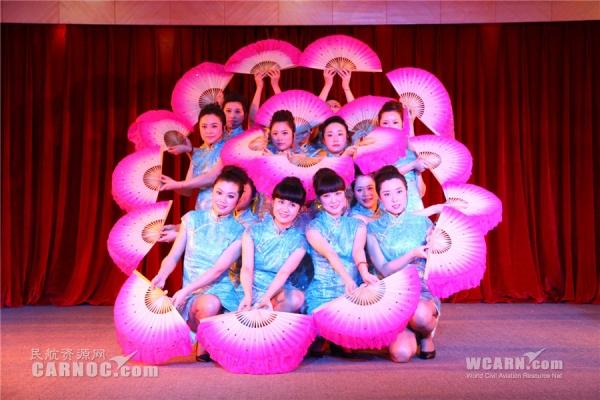 """阳光女性 川航举办小合唱庆祝""""三八节"""""""