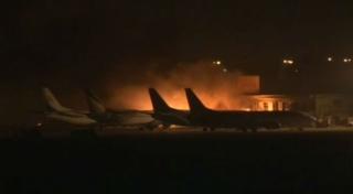 巴基斯坦最大国际机场遭武装袭击 多人死亡
