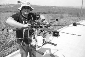 承德航空爱好者研制植保无人机首飞成功
