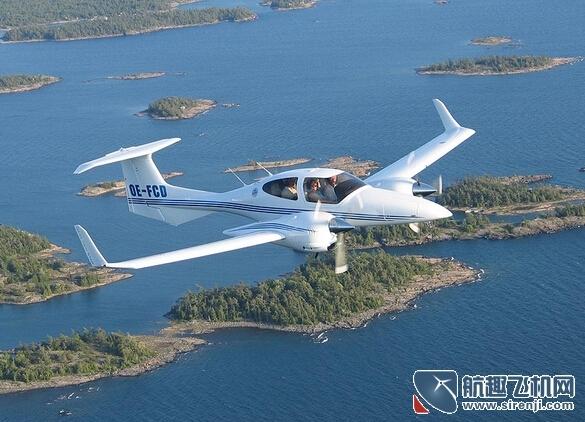 钻石DA42飞机亮相英国范保罗国际航空展