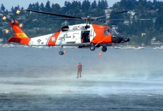 男子潜水突发中风 海岸警卫队直升机火速救援