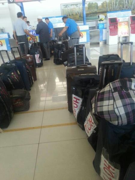阿勒泰机场圆满保障2014年度朝觐工作