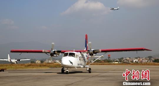 中国交付尼泊尔首架国产运12E飞机