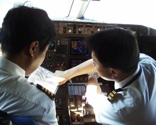 机长说安全:我们是手册飞行员 不应是QAR飞行员