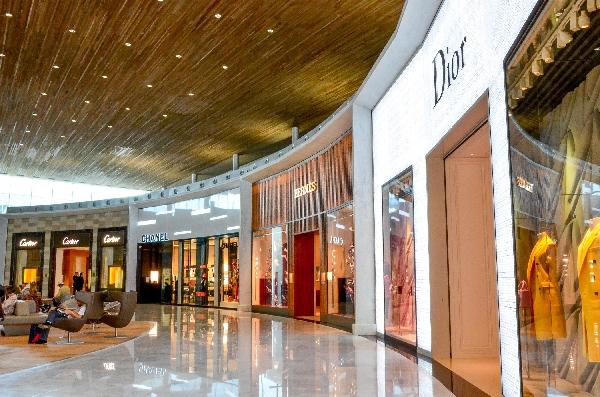 图:巴黎戴高乐机场2e航站楼k候机厅落成 向时尚和法式设计致敬