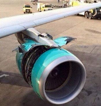 沙特一客机爬升时发动机整流罩打开后被撕裂